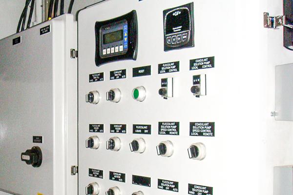 Decanting Centrifuge Consultant Oilfield pressure control