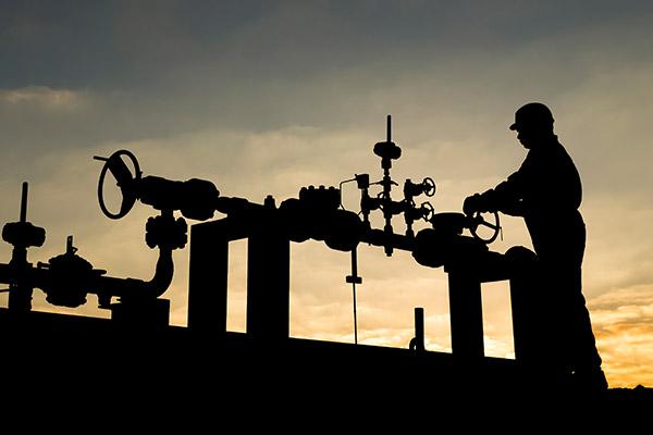 Oilfield pressure control repair service